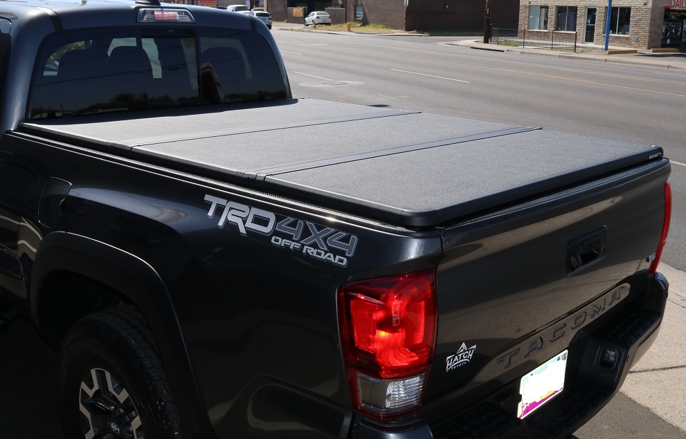 Toyota Tacoma Bed Cover >> 2016 2018 Toyota Tacoma 6 Bed Extang Solid Fold 2 0 Tonneau Cover
